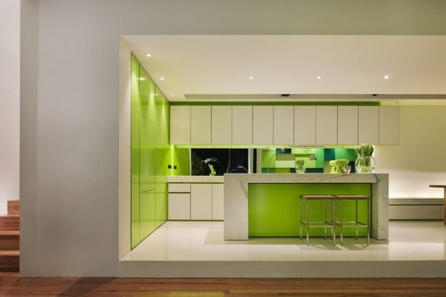 8-minimalist-home-outdoors-inside-color-green.jpg