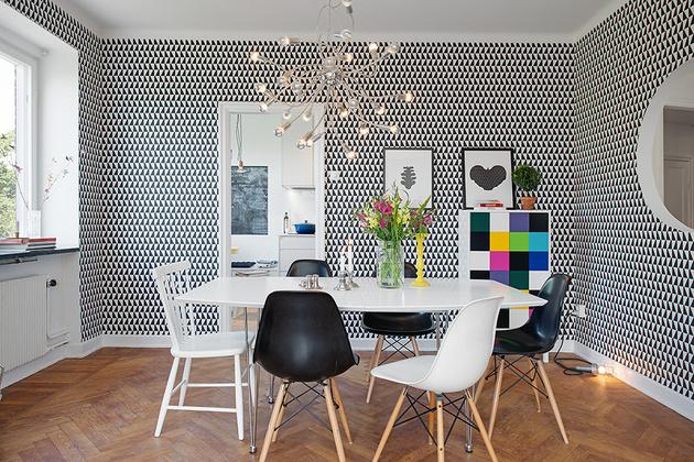 11-idea-for-dramatic-wallpaper-in-dining-room.jpg