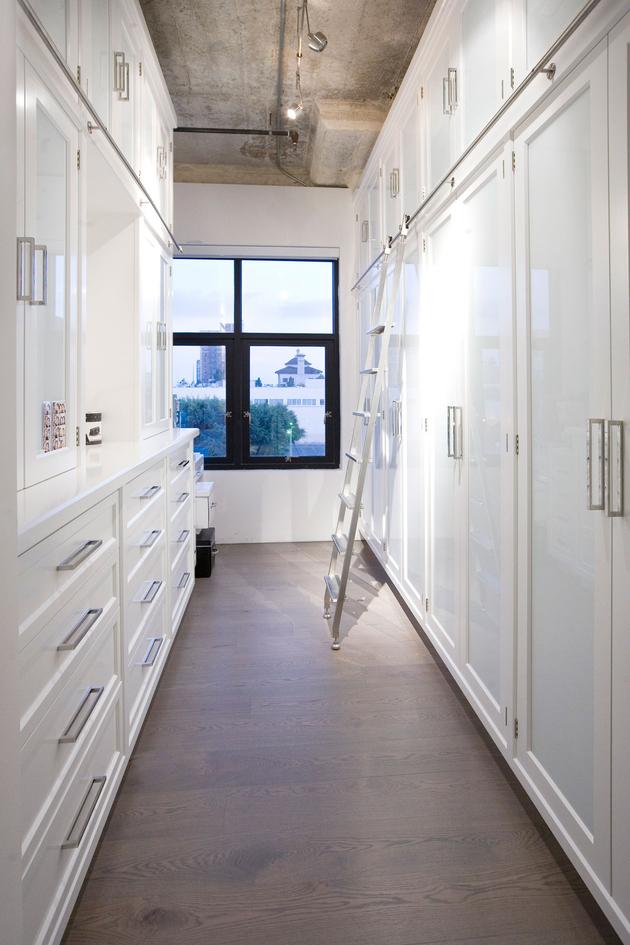 11-side-by-side-loft-integration-huge-entertainment-space.jpg