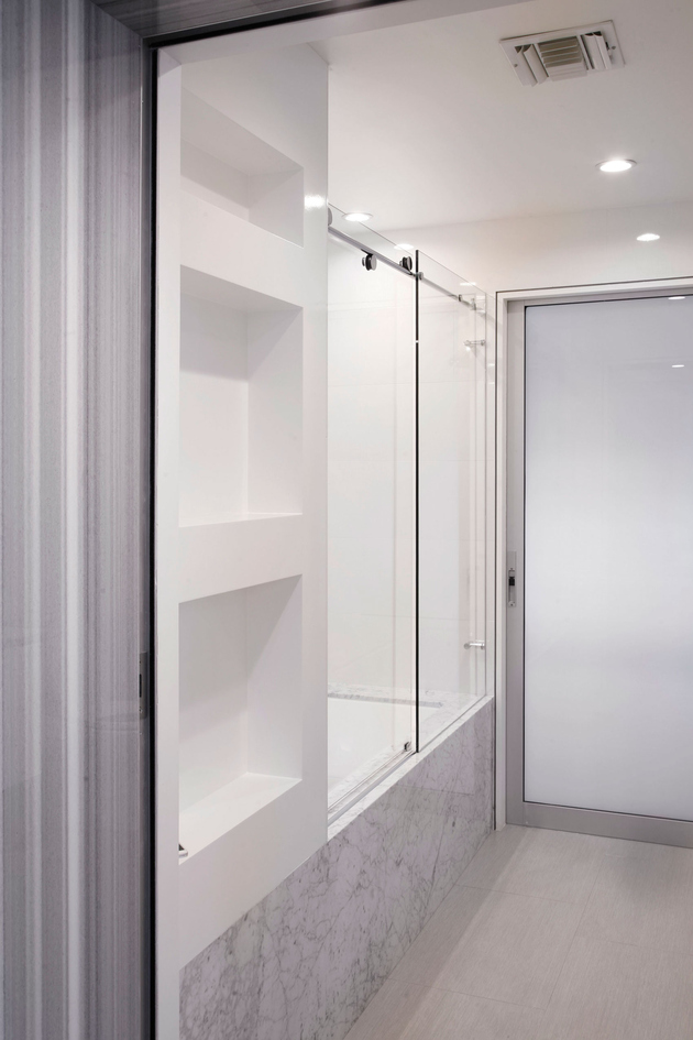 13-side-by-side-loft-integration-huge-entertainment-space.jpg
