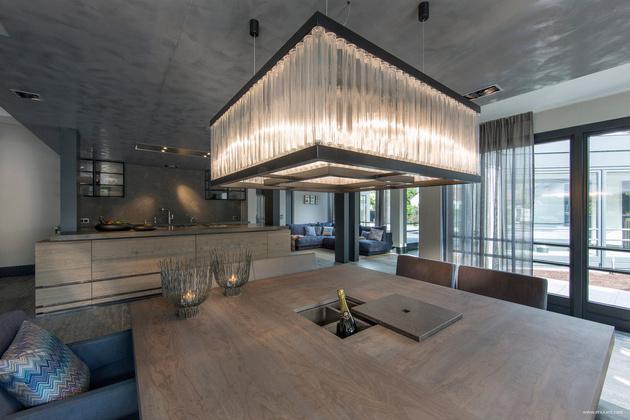 16-square-oversized-light-over-dining-table.jpg