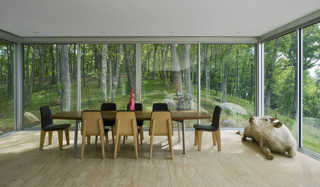 22-dining-room-with-glass-walls.jpg