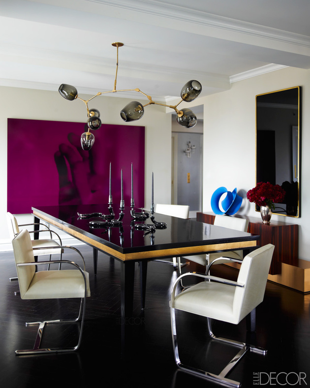 26-everything-is-black-in-this-dining-room-even-the-floor.jpg