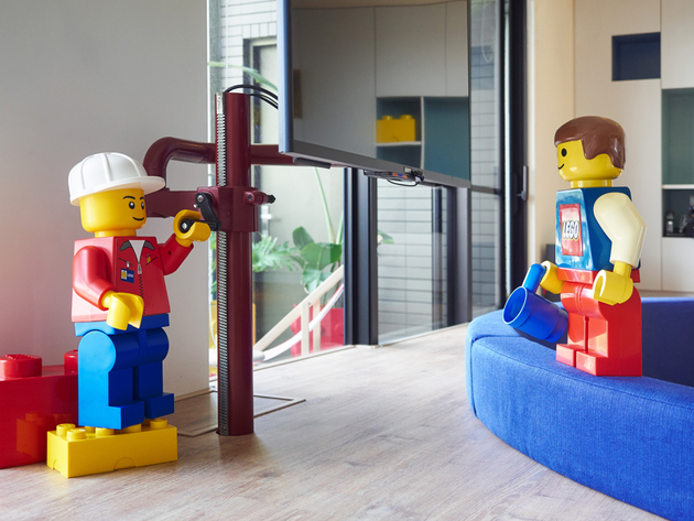 3-apartment-renovation-references-lego-modules-every-room.jpg