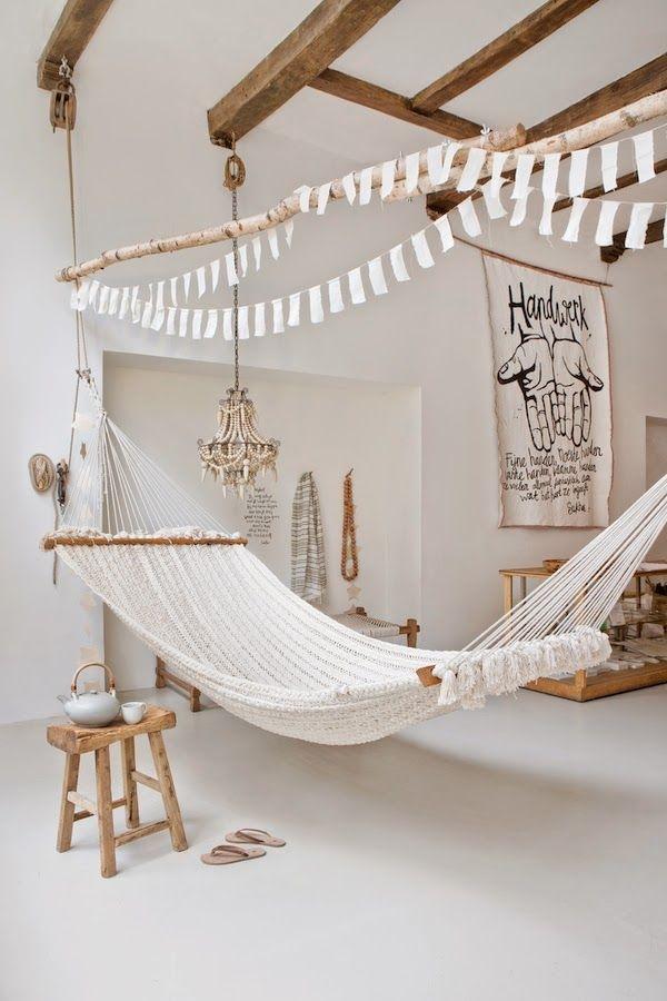 5-white-room-interiors-25-gorgeous-design-ideas.jpg