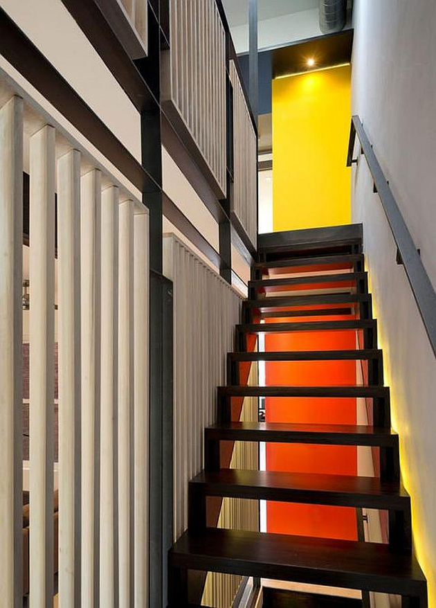 11-row-house-renovation-boldly-colored-design-features.jpg