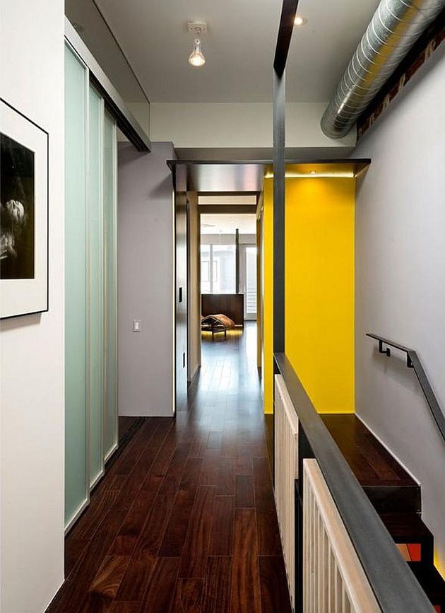 13-row-house-renovation-boldly-colored-design-features.jpg