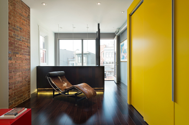 14-row-house-renovation-boldly-colored-design-features.jpg