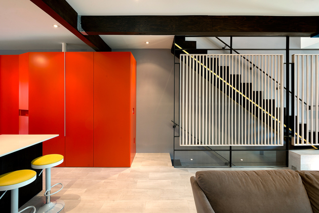 4-row-house-renovation-boldly-colored-design-features.jpg