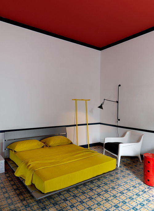4e-red-ceiling-and-matching-side-table.jpg