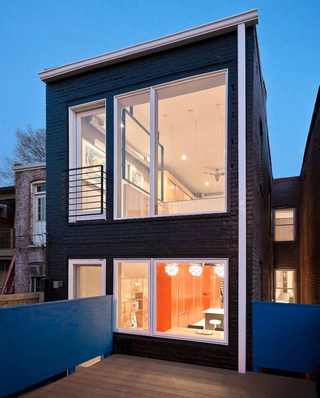 8-row-house-renovation-boldly-colored-design-features.jpg