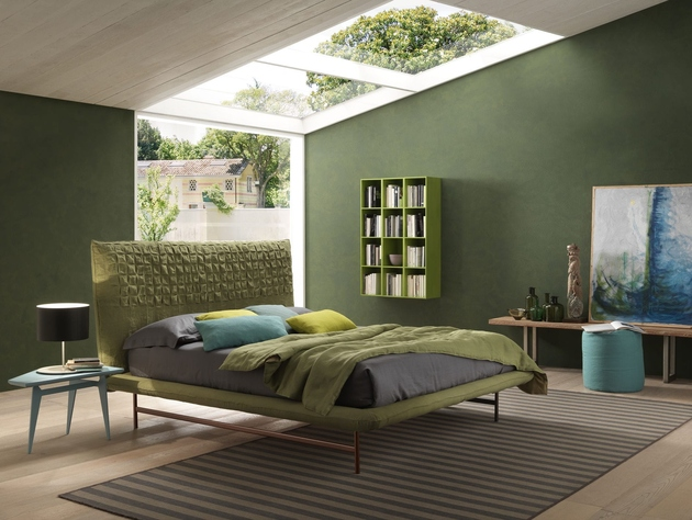 bedroom-with-green-wall-and-green-bedding-bolzan-sheen-light.jpg