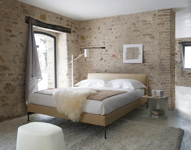country-style-bedroom-with-exposed-brick-walls-bb-italia-charles.jpg