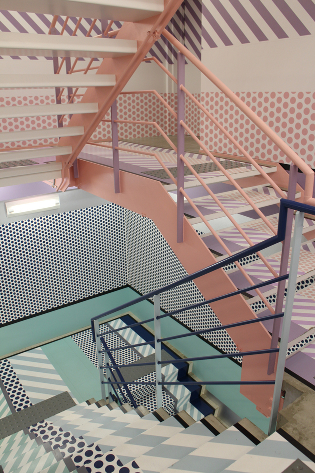 1e-colour-iffic-staircase-designs-contemporary-homes.jpg