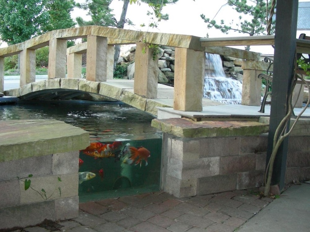 koi-ponds-and-water-gardens-for-modern-homes-27.jpg