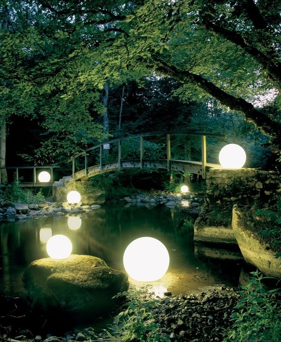 koi-ponds-and-water-gardens-for-modern-homes-38.jpg