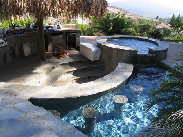 the-most-incredible-pools-on-the-planet-39.jpg