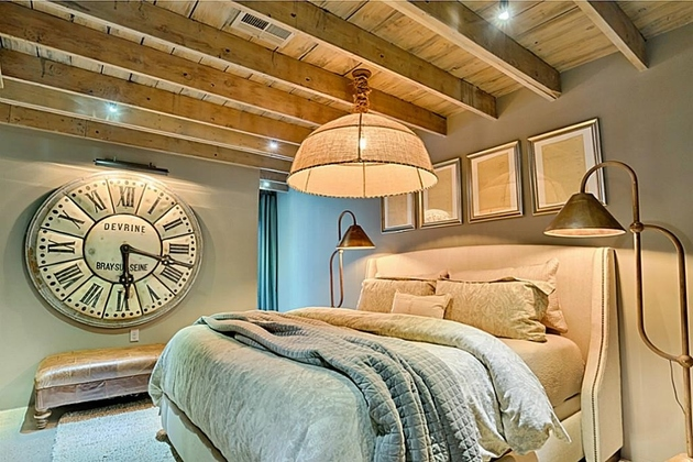 eclectic-modern-interior-in-houston-17.jpg