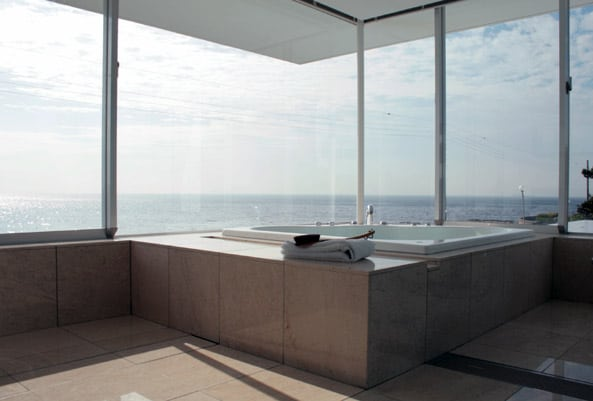 bathroom-design-with-view-1.jpg