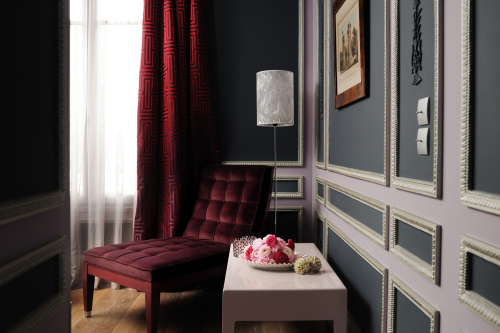 classic french interior decor with a modern twist. Black Bedroom Furniture Sets. Home Design Ideas
