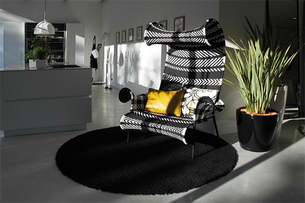 bringing boring modern black white interior scheme life 2 Bringing a Boring Modern Black and White Interior Scheme to Life