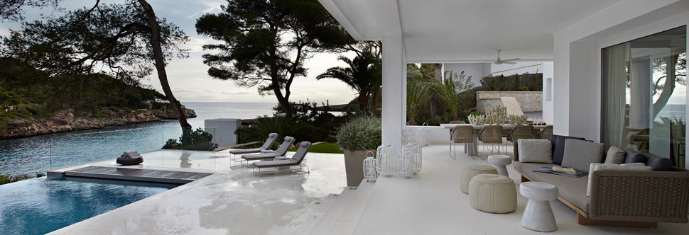 Chic Beach House Of Simple Luxuries
