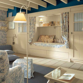 Classic English Style Children's Bedroom by Minacciolo