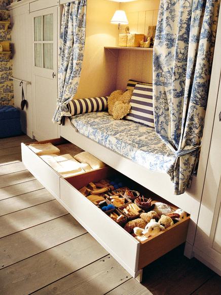 classic english style childrens bedroom minacciolo 10