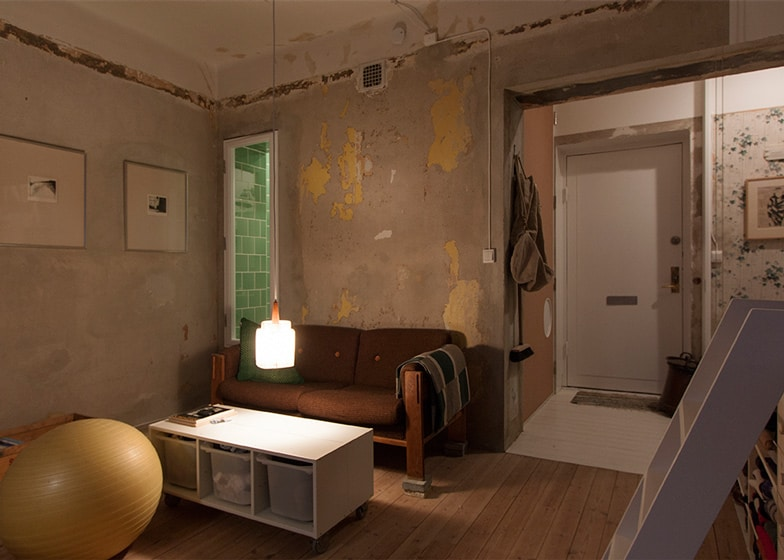 Cleverly Renovated Tiny Apartment Keeps Unfinished Plaster