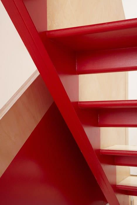 colorful-graphic-interiors-featuring-bright-herringbone-floors-15.jpg