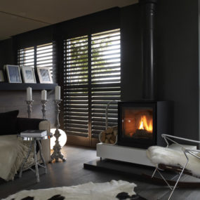 Cozy Black Interiors by Yoo
