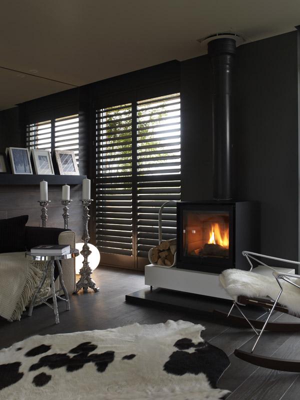 cozy black interiors yoo 1 Cozy Black Interiors by Yoo