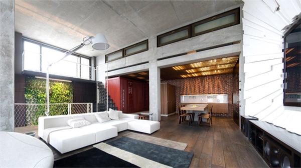 Dramatic Loft Design by 2bGroup