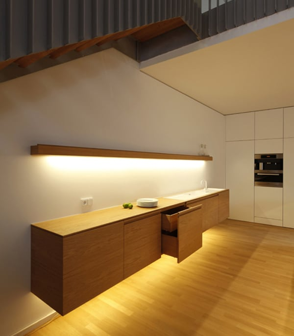 Kitchen under the stairs for Kitchen designs under stairs