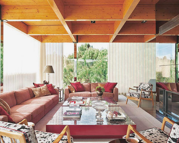 lively modern portuguese home 2 Portuguese Interior Design: Lively and Modern