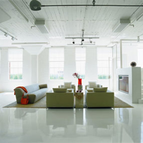Loft Apartment Decorating Ideas: glossy floors and colorful accessories