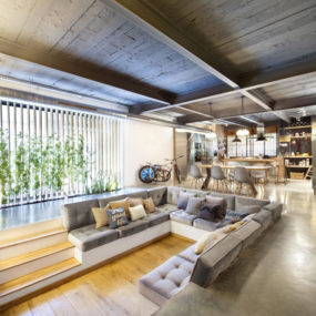Most Luxurious Loft shocks with Beautiful Amenities