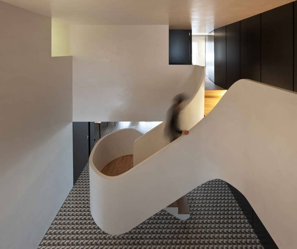 Minimalist home wows with bold flooring and staircase for Minimalist flooring