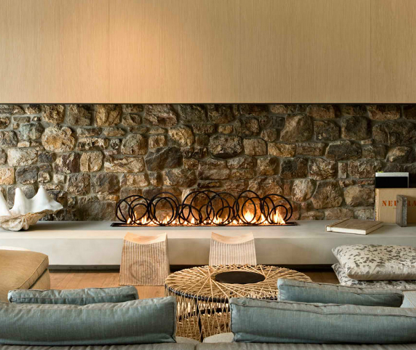 modern stone fireplace design pattersons 1 Modern Stone Fireplace Design by Pattersons Architects