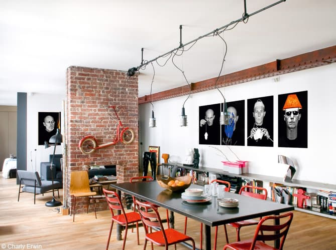Modern urban loft goes from paris to new york for Amenagement espace detente entreprise