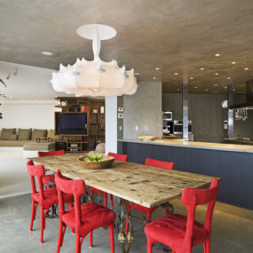 Modish Interiors: Dining Room Idea by The Apartment