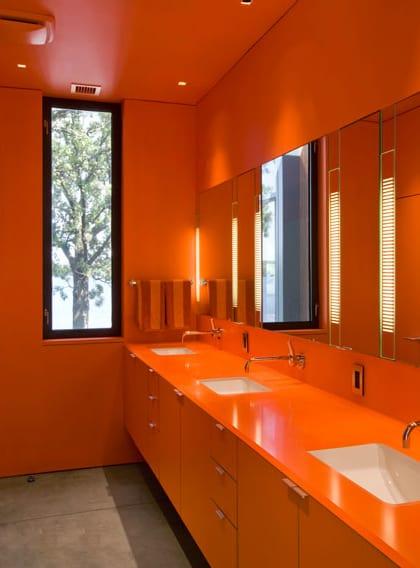 monochromatic bathroom design 1 Monochromatic Bathroom Design