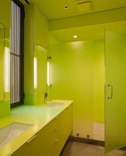monochromatic-bathroom-design-4.jpg