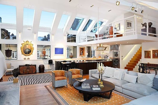 open plan loft amazingly high ceilings 2 Open Plan Loft with Amazingly High Ceilings