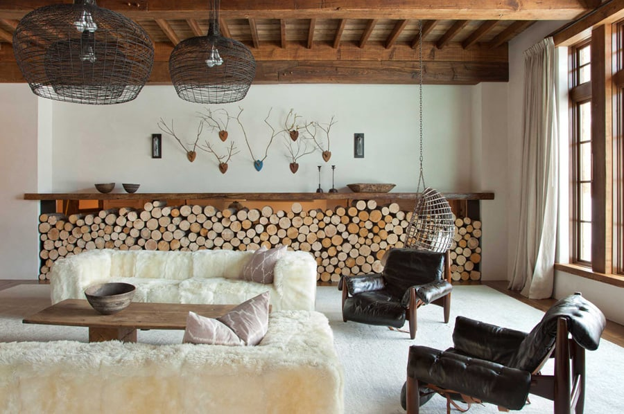 Rustic chic revival in classic cabin with eclectic details for Idee di design di chalet