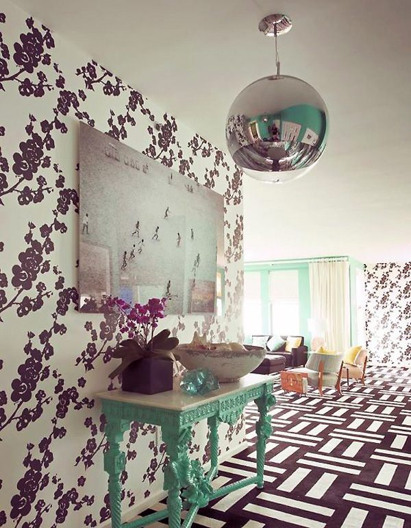 tres tintas almendro wallpaper novogratz style 2 Interior Decorating with Wallpaper   outside the box ideas by Novogratz