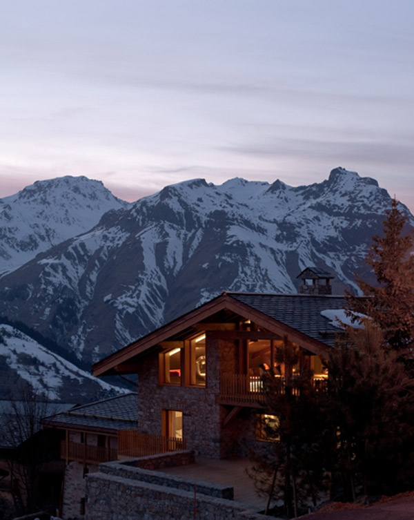 ultra-modern-alpine-mountain-chalet-10.jpg