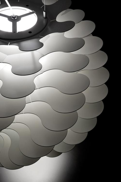 libera-lamp-from-lucente-4.jpg