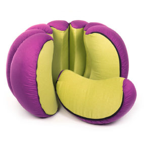 Mandarin – a Playful Fruit-shaped Set of Poufs