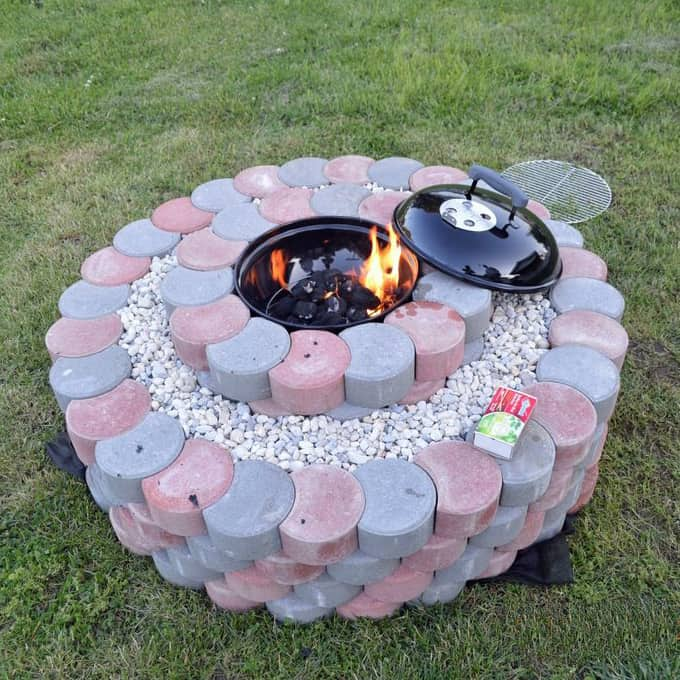 How to be creative with stone fire pit designs backyard diy for How to build a fire pit with concrete blocks